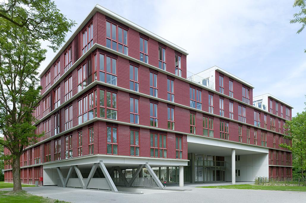 Foto van een kantoorgebouw. Berebeeld beeldoptimalisatie voor Hennie Raaymakers Fotografie.