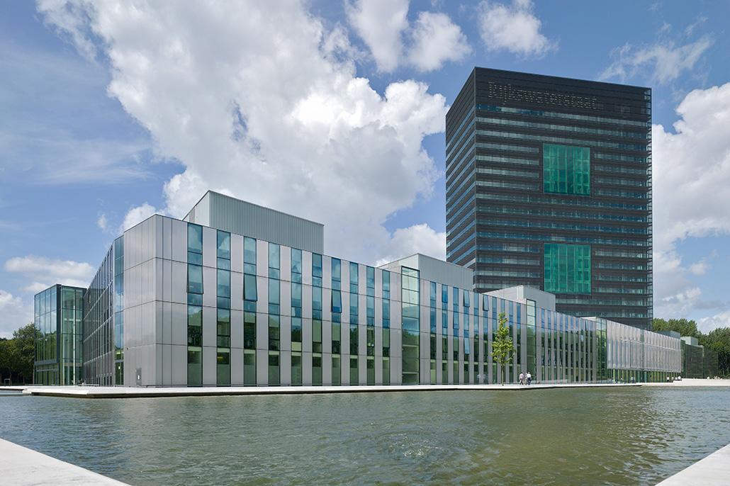 Kantoorgebouw van Rijkswaterstaat. Berebeeld beeldoptimalisatie voor Hennie Raaymakers Fotografie.